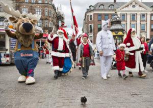 Julemænd, Pjerrot og Bakkens Krammedyr, Kalle Kronhjort på Strøget / Julemændenes Verdenskongres 2016 18. juli 2016