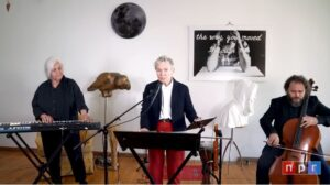 Musikere: Laurie Anderson: vocals, electronics, violin Roma Baran: synthesizer Rubin Kodheli: cello