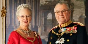 Hendes Majestæt Dronning Margrethe II (Margrethe Alexandrine Þórhildur Ingrid, Danmarks dronning) og Henrik, Hans Kongelige Højhed Prinsgemalen (Henri Marie Jean André, greve de Laborde de Monpezat)