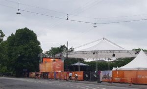 Aarhus Aabner storskærm afskærmet mod Frederiks Allé