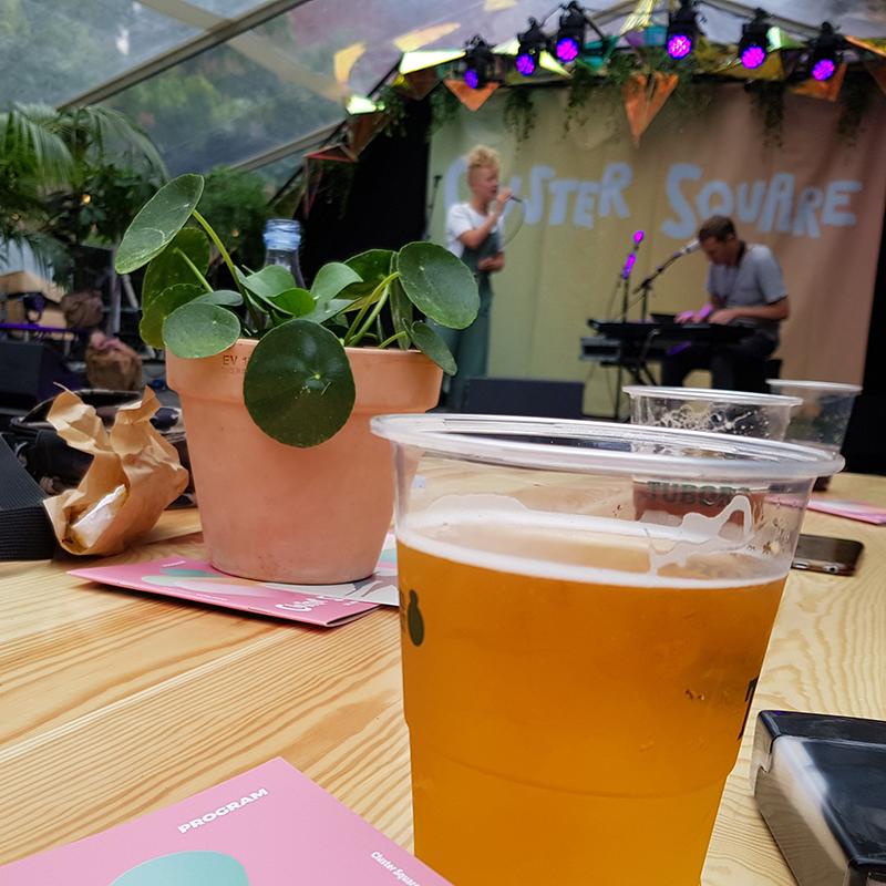 Fredagsøl på Clustersquare fredag den 30.aug 2019 - med musik af Ane Monsrud