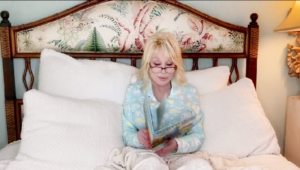 "#StayHome #WithMe #ReadWithMe ""Goodnight with Dolly"" 