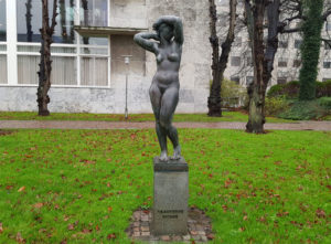 Kai Nielsen Vaagnende Kvinde 1920 i Rådhusparken, Aarhus
