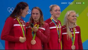 Bronze til 4x100 meter Medley holdet - Rikke Møller Pedersen, Mie Østergaard Nielsen, Jeanette Ottesen, Pernille Blume.