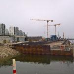 Strandbaren og det kommende Havnebad ved kajkanten af Bassin 7